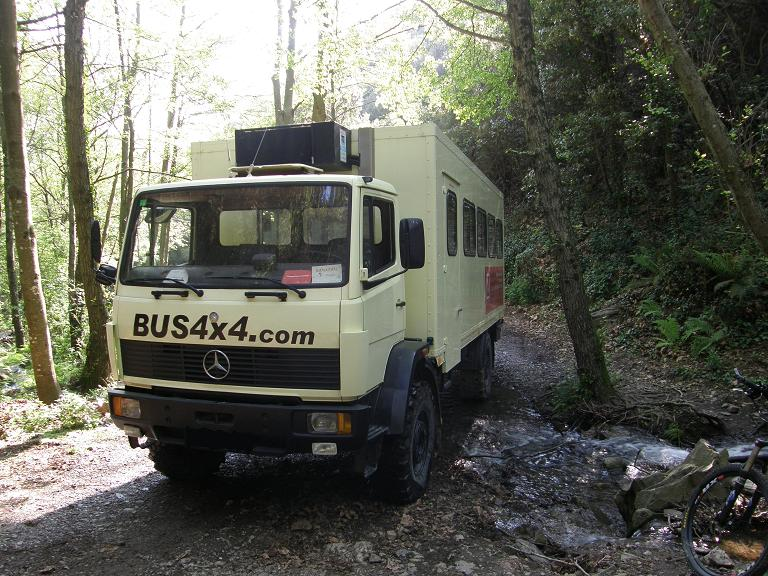 bus 4x4